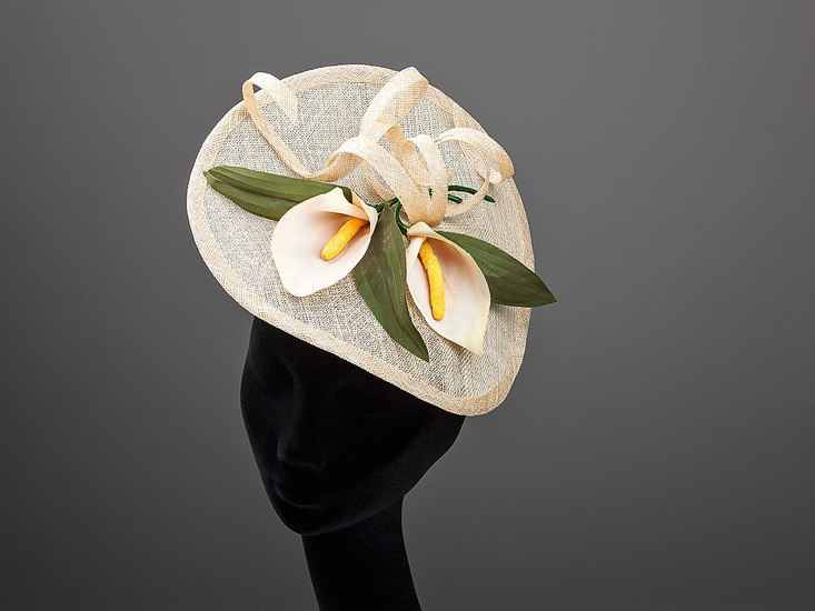 fascinator met calla's (018)