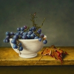 Grapes in white bowl