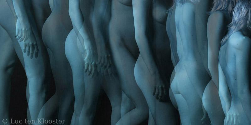 Marcel duchamp nude descending a staircase travel mug by jjbzz