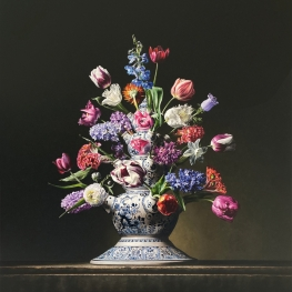 Flower still life with Tulip vase/pyramid
