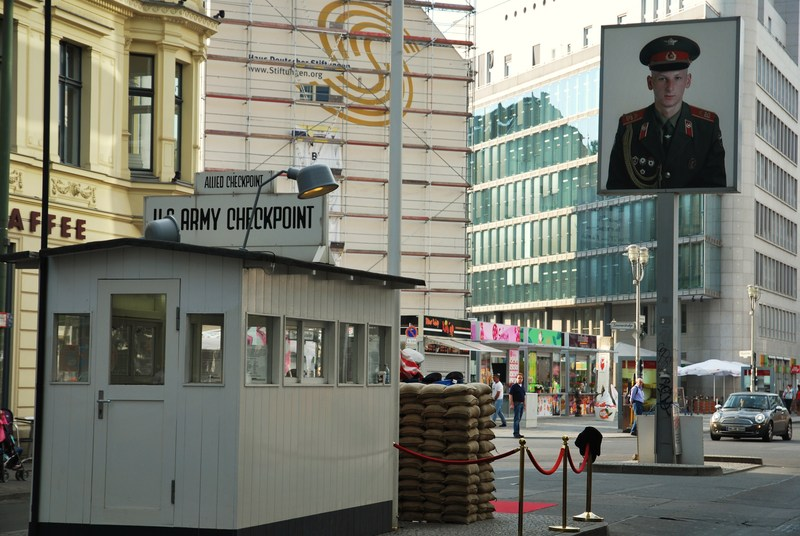 Checkpoint Charlie -Berlin