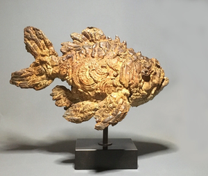 Pieter's fish are alive , captured for eternity in bronze , just as nature captured prehistoric fish in fossils . It is not only the life like quality of his sculptures but also the wonderful patina that Pieter creates for his pieces that sets him apart as an artist .