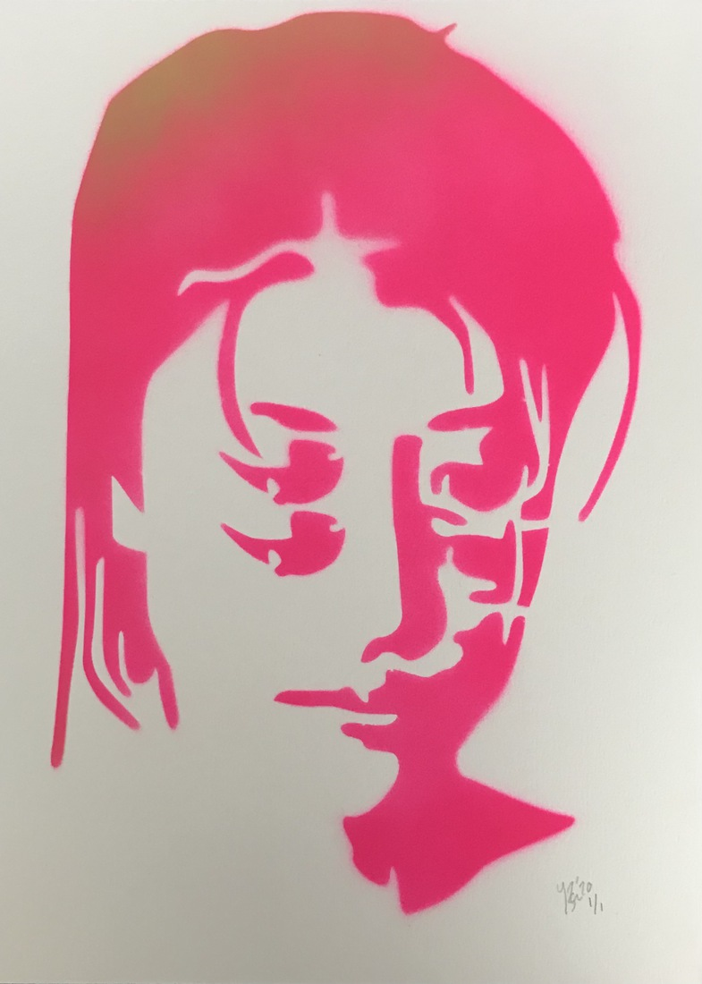 Girl with four eyes, pink