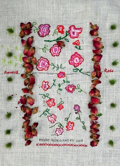 Design for a rosegarden , in de serie All (my) roses